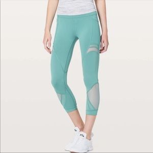 """Lululemon Forget The Sweat Crop *21"""" Turquoise"""